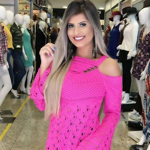 Blusa tricot manga longa trabalhada pink