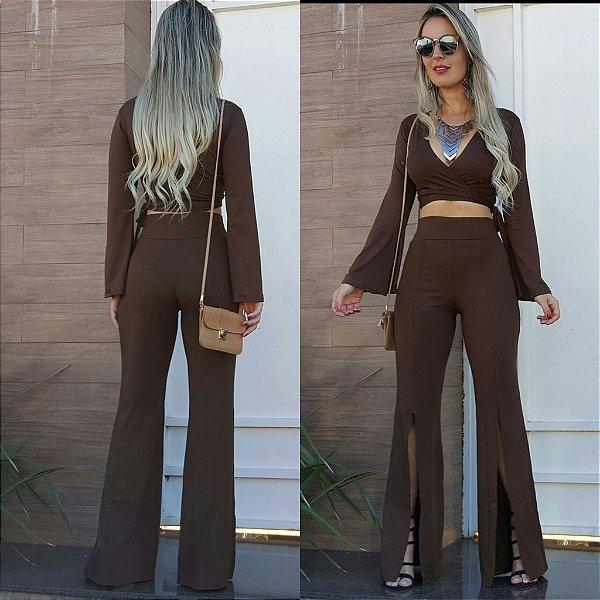 Conjunto de calça e cropped