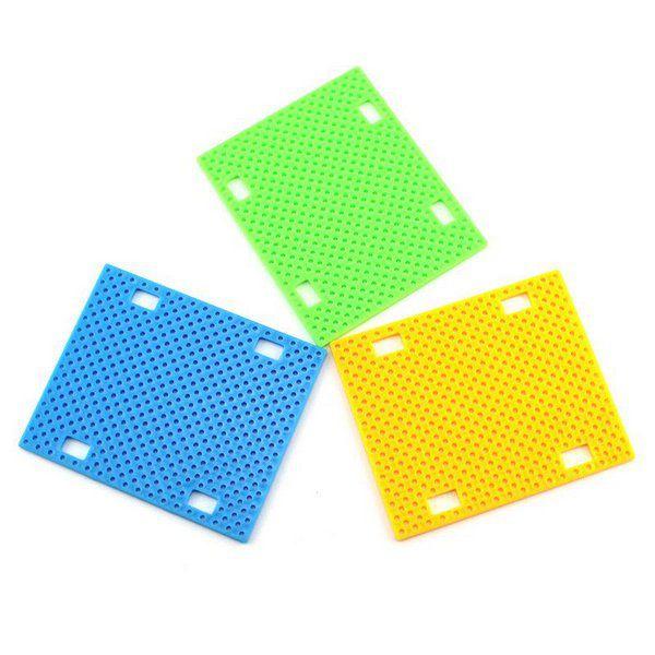 Base Plástica Perfurada para Projetos DIY