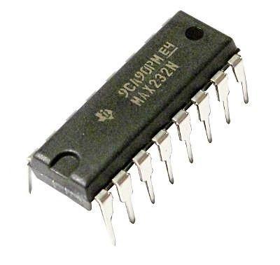 MAX232 - CI Conversor TTL/RS232