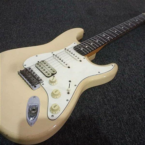 Guitarra Fender Stratocaster Califórnia HSS 1997