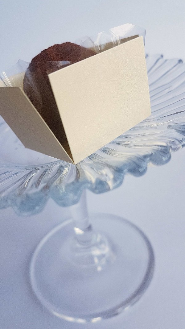 Forminha para Doce (3,5 x 3,5) Liso (colorido na massa) Champagne