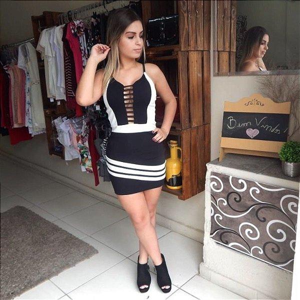 74266dc6f Vestido Curto Feminino Decotado Alças Finas - Renda & Fenda - Moda ...