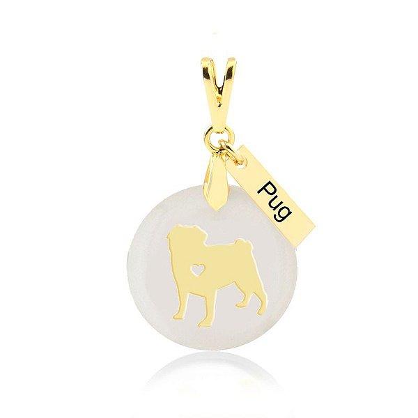 Pingente madrepérola raça Pug folheado em ouro 18k