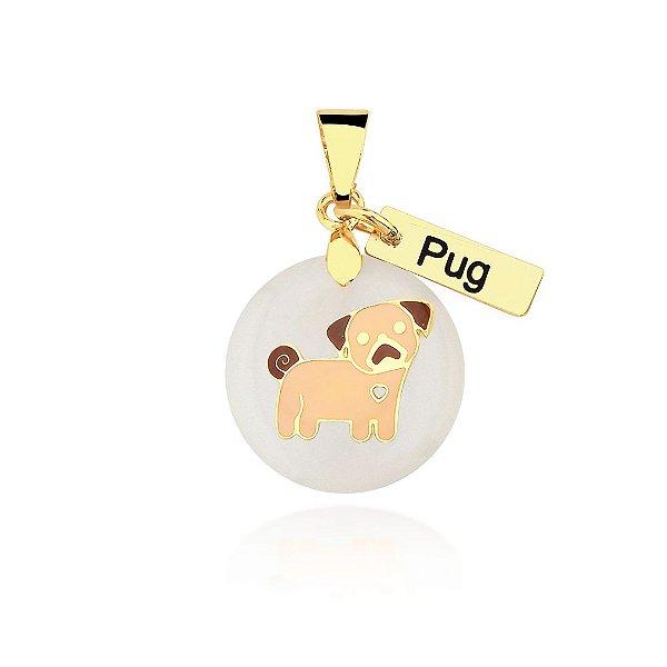 Pingente madrepérola colorido raça Pug folheado em ouro 18K