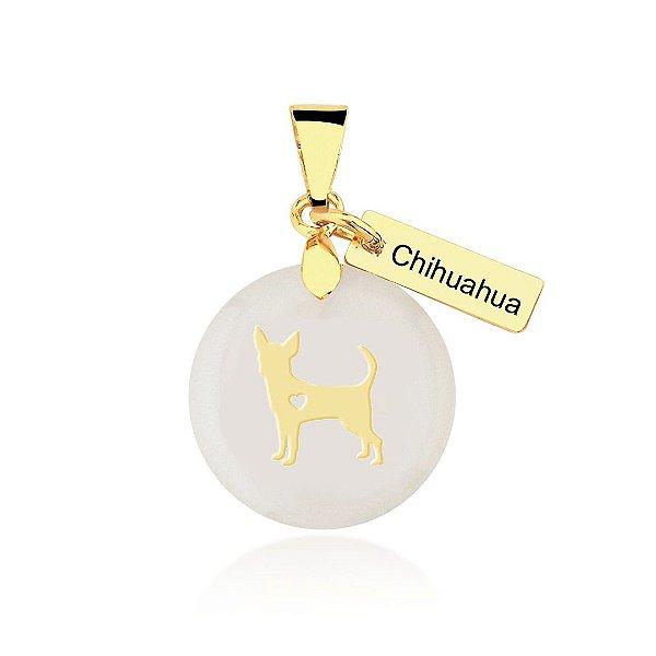 Pingente madrepérola raça Chihuahua pelo curto folheado em ouro 18k