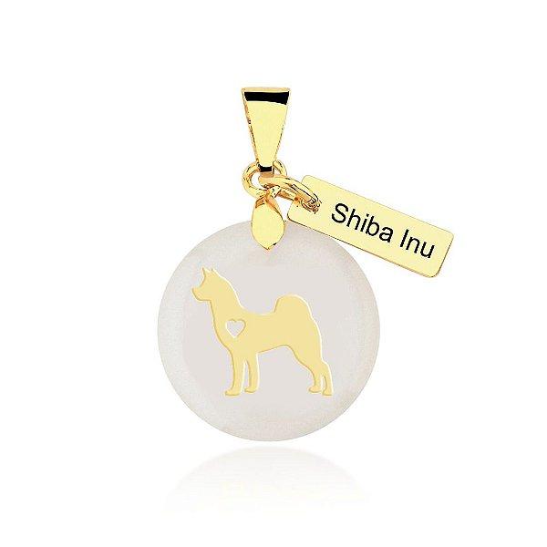 Pingente madrepérola da raça Shiba Inu folheado em ouro 18K