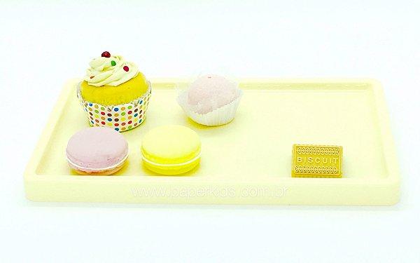 Bandeja para doces - Amarelo claro (30x18x2cm)
