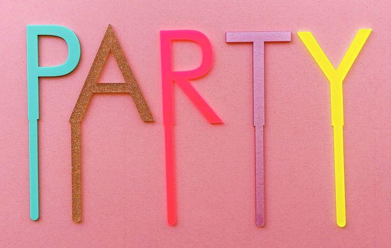 Topo para bolo acrílico - PARTY (5 letras reutilizáveis)