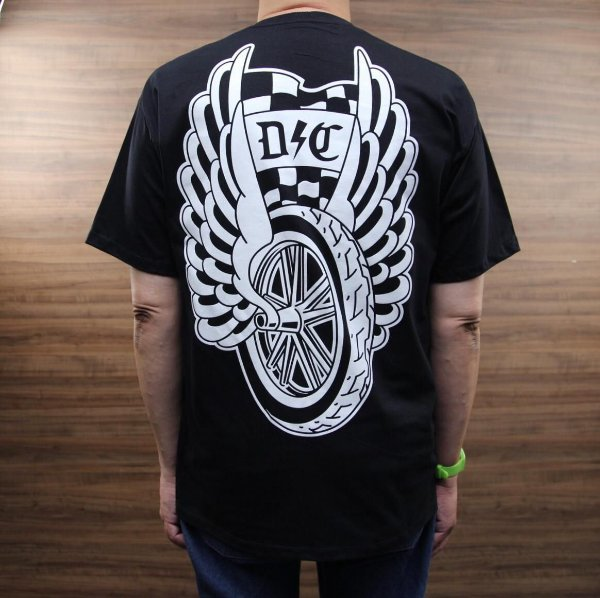 CAMISETA WINGED SWITCHBLADE DYNAMITE CREW  D⚡️C
