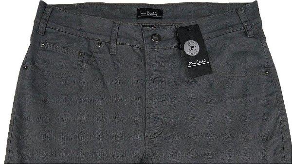 Calça de Sarja Masculina Pierre Cardin Reta (Cintura Média) - Ref. 447P058 (CINZA) - 98 % Algodão / 2% Elastano