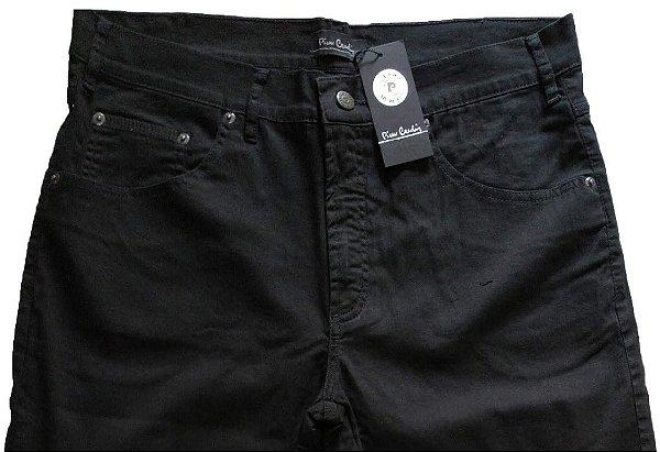 Calça de Sarja Masculina Pierre Cardin Reta (Cintura Média) - Ref. 447P058 (PRETA) - 98 % Algodão / 2% Elastano