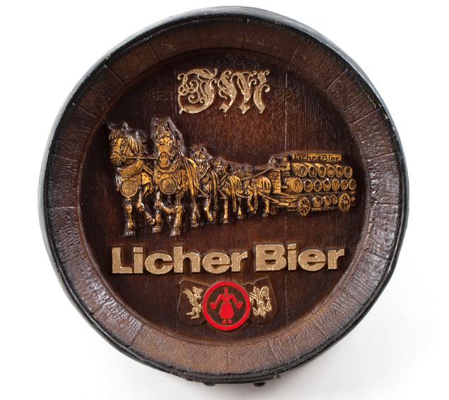 Barril de parede grande em Fibra KG - Decoração - Licher Cavalos Cerveja
