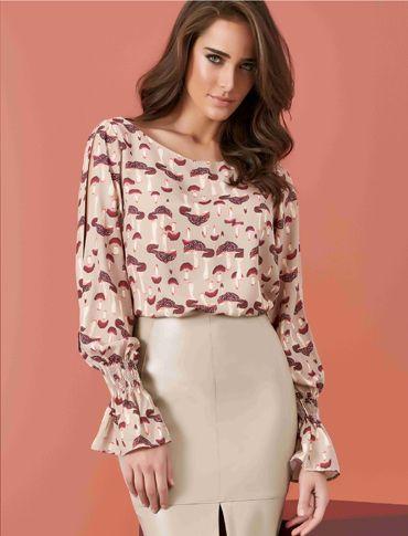 blusa manga com longa abertura lateral