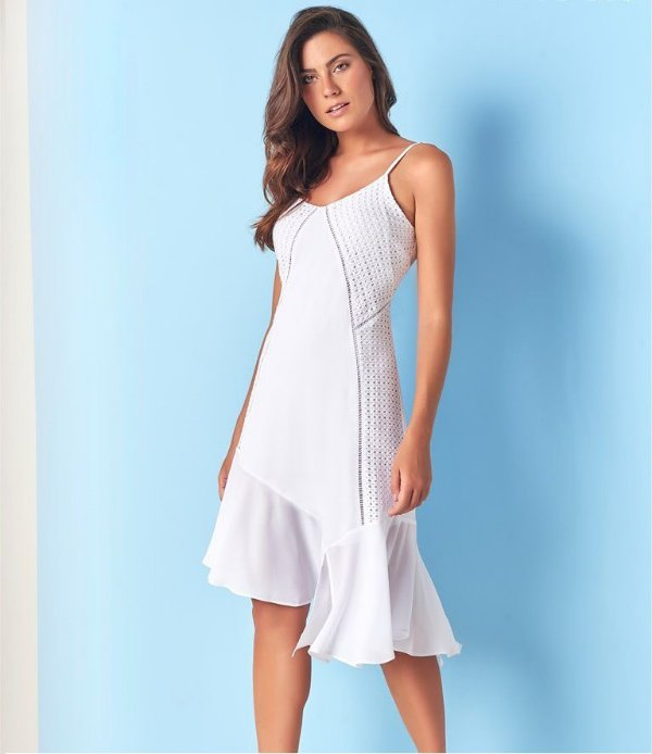 Vestido Branco assimétrico