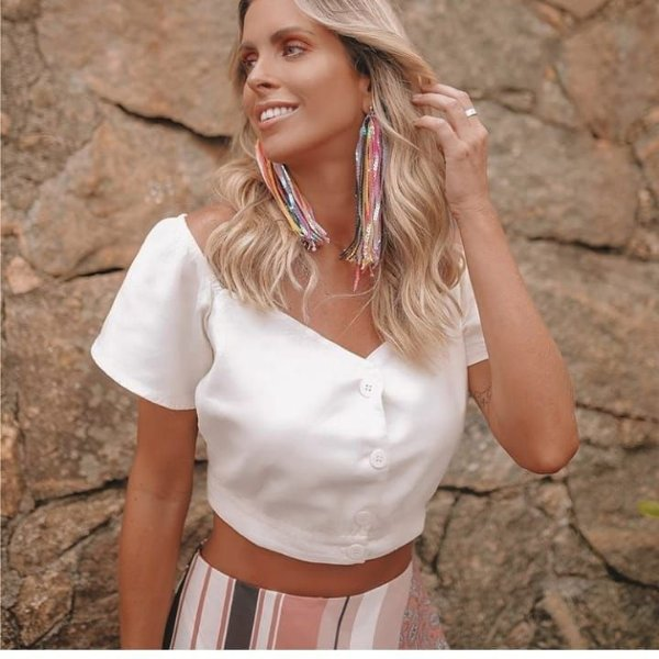 Blusa cropped off white