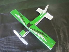 aviaozinho em depron que voa na cor verde