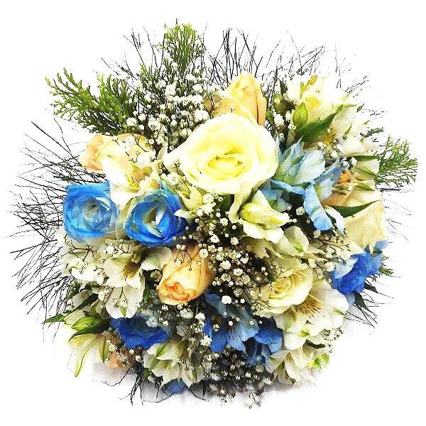 Buquê de Noiva com Rosas Nacionais (Azul, Champanhe, Branca e Folhagem)