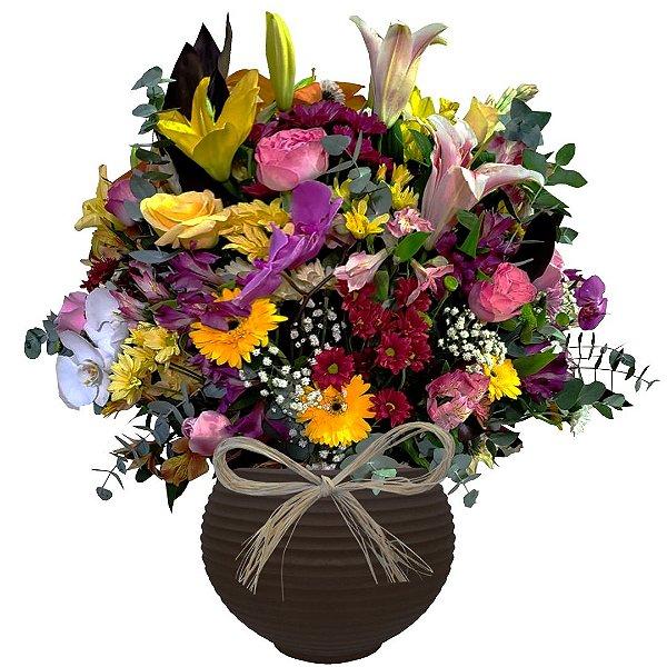 Arranjo com Flores Nobres No Vaso Redondo