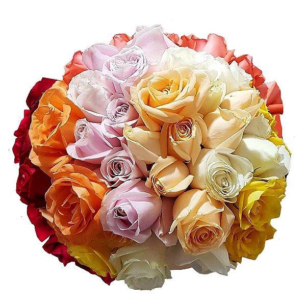 Buquê Degradê com 36 Rosas Nacionais em Cores Selecionadas