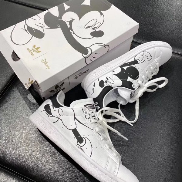 Tênis Mickey Mouse adidas Stan smith Disney