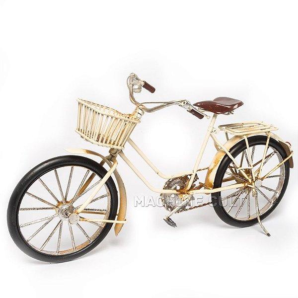 Bicicleta Branca com Cestinha