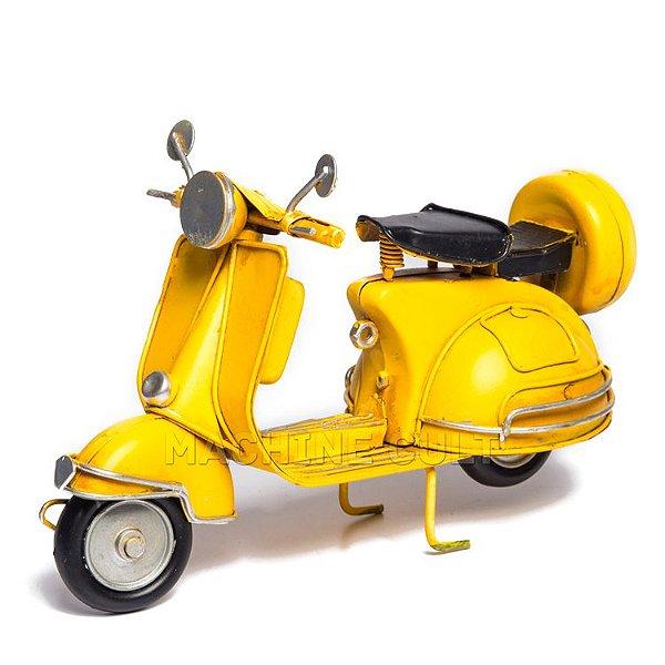 Vespa em Miniatura para Decoração - Amarela