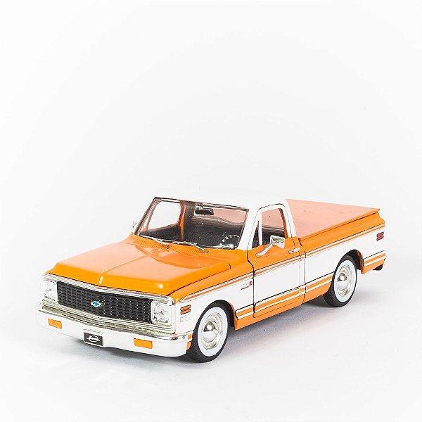 Miniatura Chevy Cheyenne 1972 - Jada 1:24
