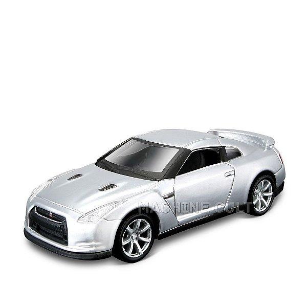 Nissan GT-R - Power Racer - Maisto 1:40