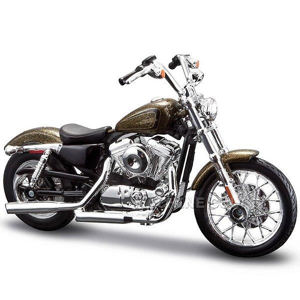 Miniatura Harley-Davidson 2013 XL1200V Seventy-Two - Série 33 - Maisto 1:18