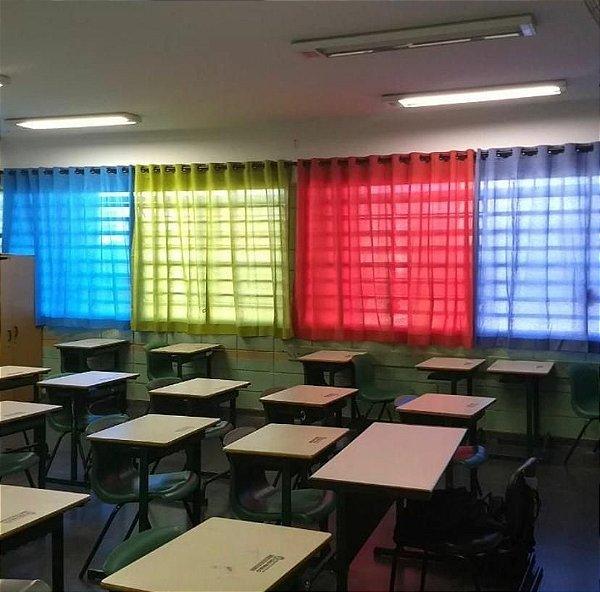 Cortina Colorida Sala de Aula