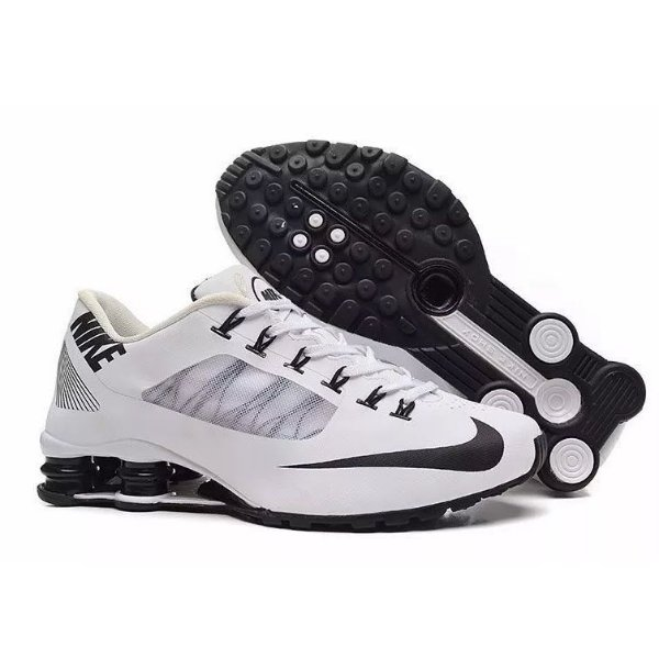 new product 0e031 1d3de Nike Shox R4 Superfly Branco e preto