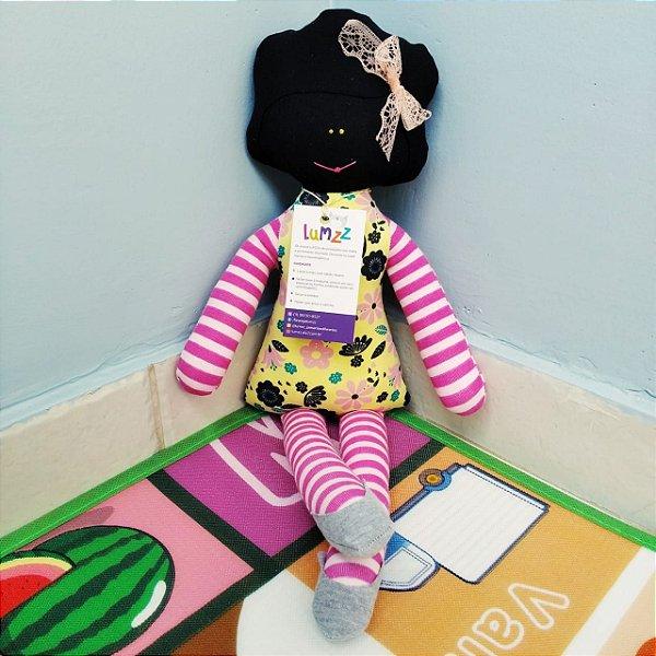 Boneca Lili em Tecido de Malha