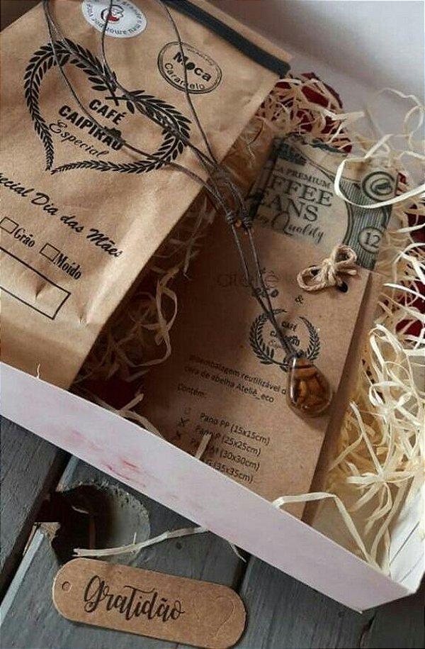 Kit Presente Dia das Mães - Café Especial Moca 250g + Colar de resina c/ grãos de café + Kit Pano de Cera
