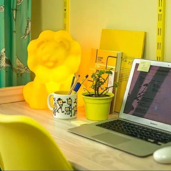 Luminária / Abajur De Mesa De Leãozinho - Leão Amarelo Infantil