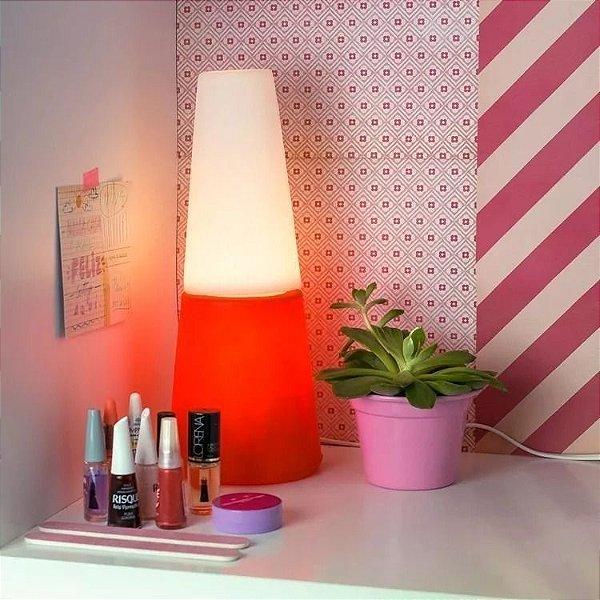 Luminária Abajur Esmalte Vermelho Unhas Manicure Salão