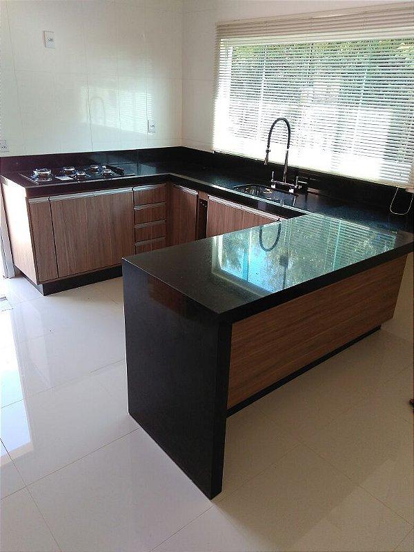 Cozinha Planejada Sob Medida em MDF Gris Montano da Duratex.