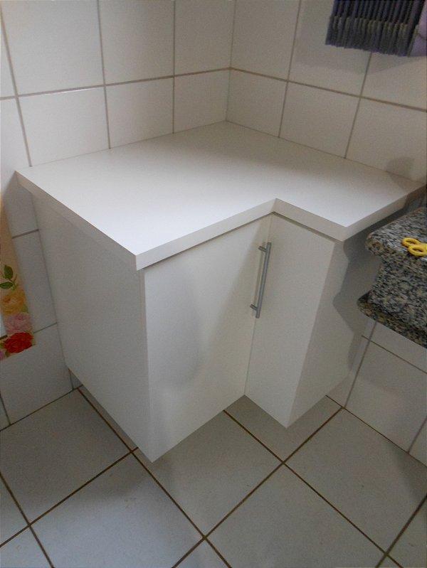 Armário de Banheiro Planejado Sob Medida em MDF de 18 mm Duratex Ultra.
