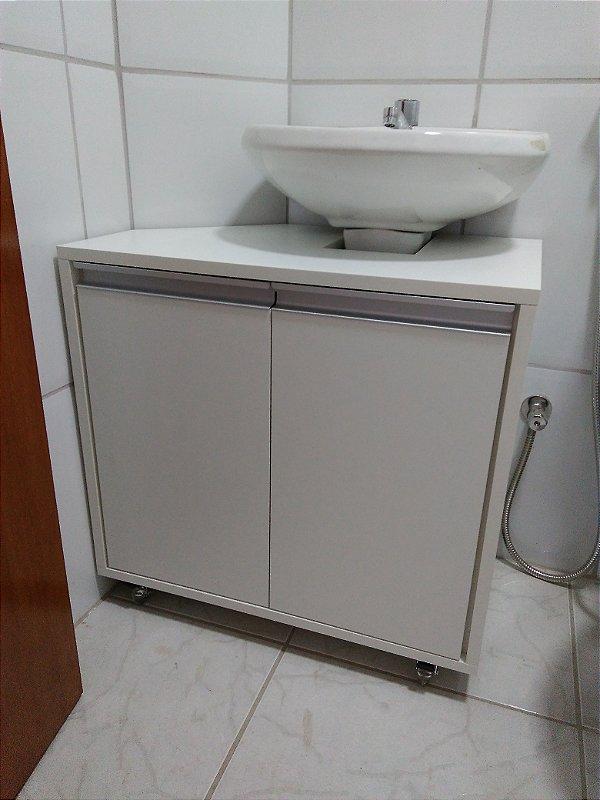 Banheiro Planejado Sob Medida em MDF Branco TX da Masisa.