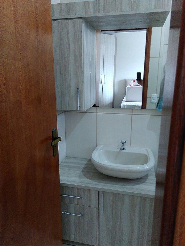 Banheiro Planejado Sob Medida em MDF Mármara Gri da Masisa.