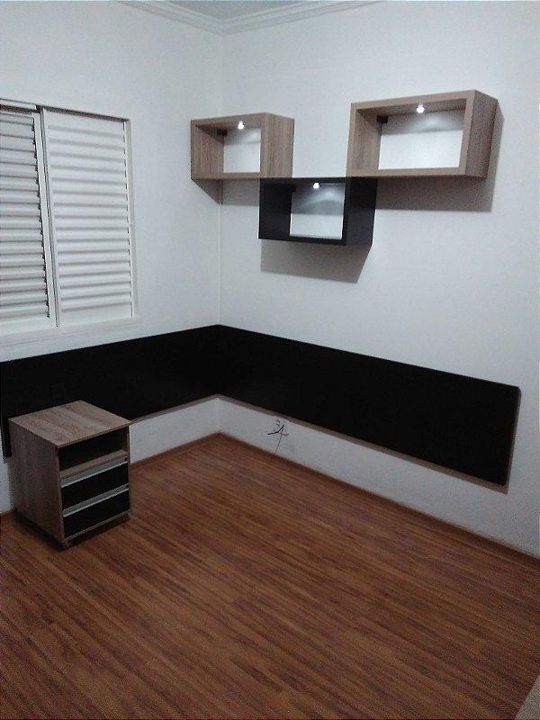 Dormitório Planejado Sob Medida em MDF Nodo da Arauco, MDF Preto TX e MDF Branco TX.