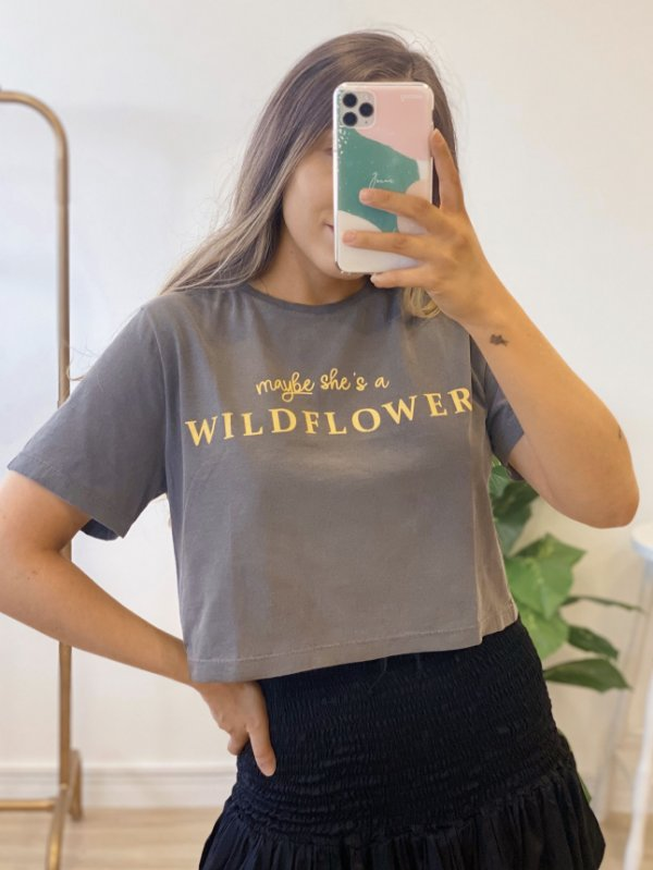 t-shirt cropped wild flower