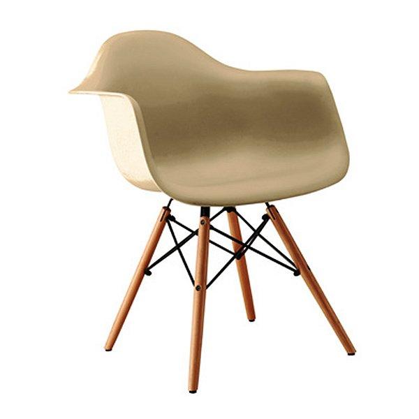 Cadeira Design Fratini Eames Eiffel DAR Ray Pes Madeira Natural Salas Florida Fendi Braços Polipropileno