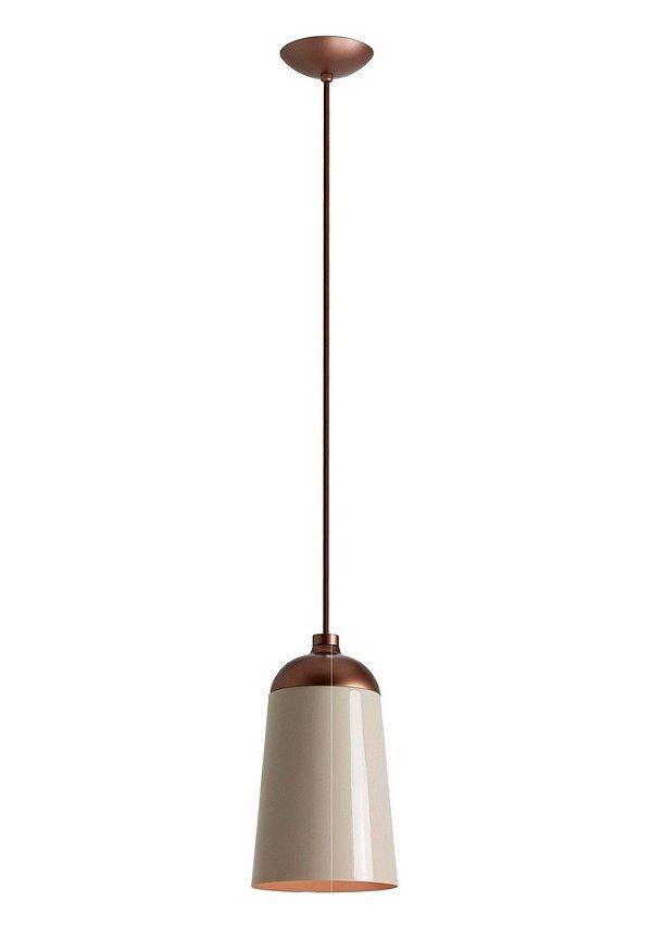 Pendente Newline Iluminação Hut Cônico Pendurado Metal Bege Cabo 1,5m 27,5x16cm 1x E27 25W Bivolt 110v 220v 130-NLN Sala de Jantar Quarto e Cozinha