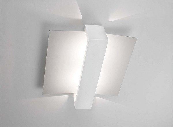 Plafon Newline Iluminação Aile Moderna Linear Curvo Metal 35x30cm 3x PCI LED 6W 190BTBT Sala Quarto e Cozinha
