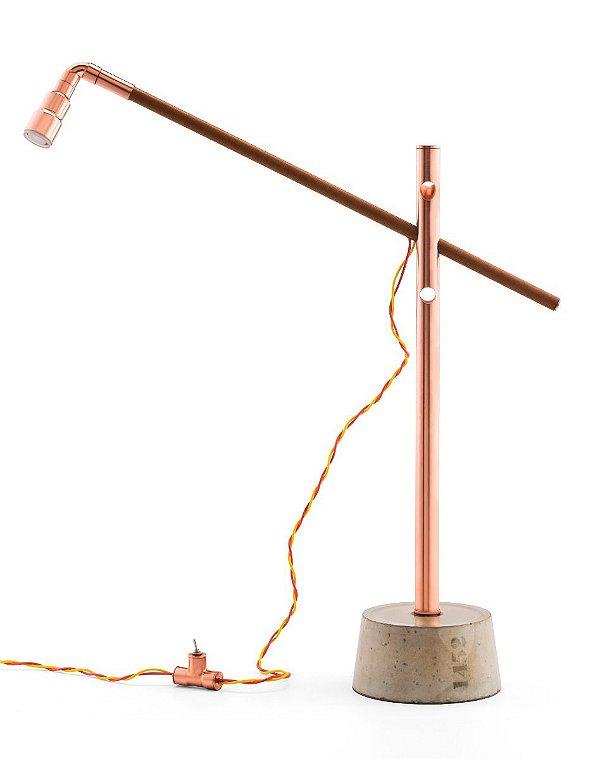 Abajur LUMINÁRIA DE MESA Klaxon Iluminação 1452 Da Vinci Tubular Canos Moderna 50 cm x 51 cm x 12,5 cm