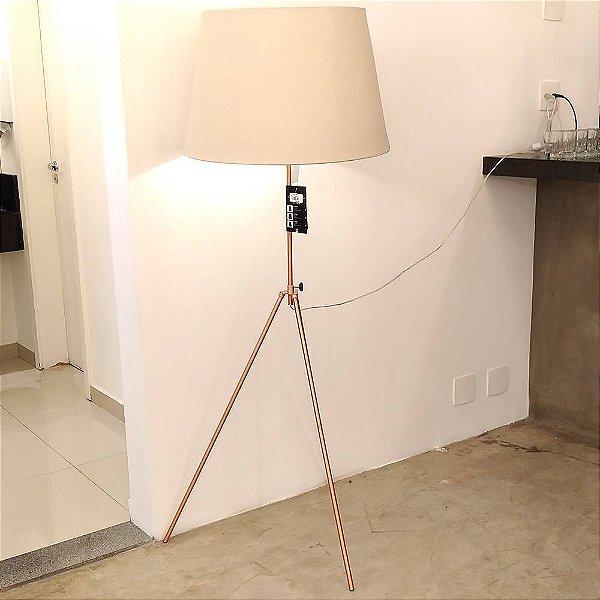 COLUNA Bella Ilumy LITHO GL007E Haste Moderna Tripe Cobre Preta 72cm x 62cm x 133cm  1 x A60 40W