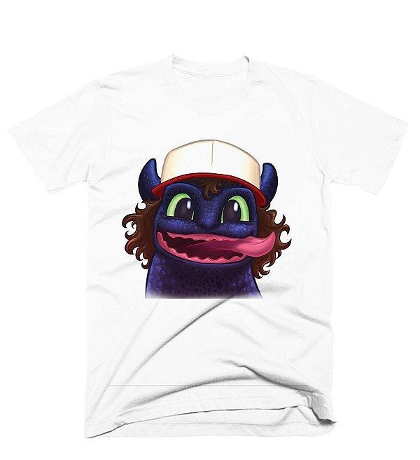 Camiseta Stranger Things Dustin e Banguela