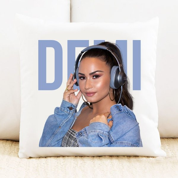 Almofada Demi Lovato 4