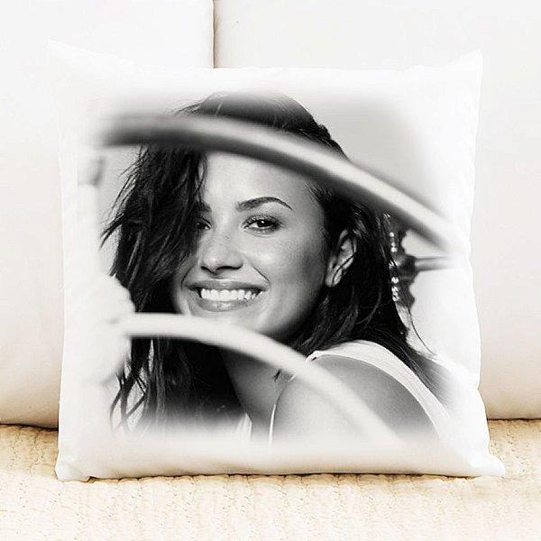 Almofada Demi Lovato 5